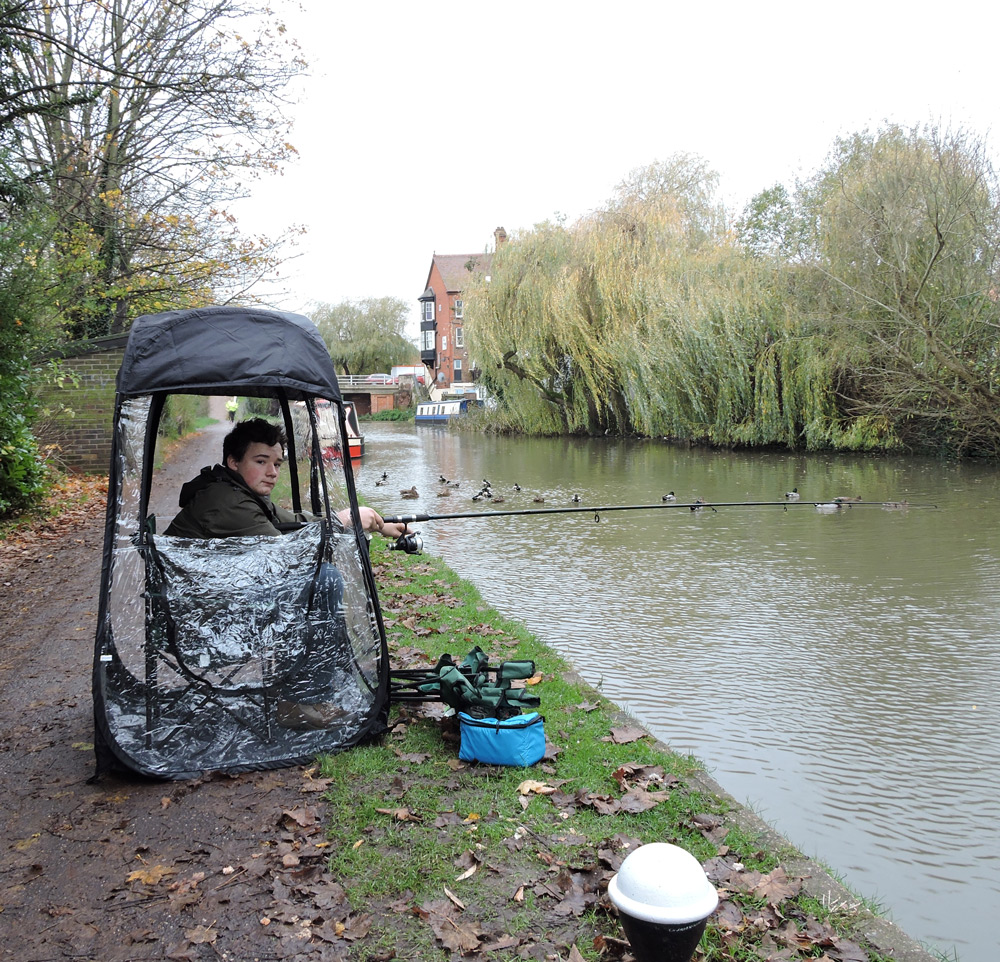 Pop-Up Fishing Tent fishing