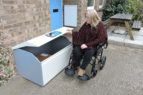 Wheelchair accessible parcel delivery box PinPod Lo