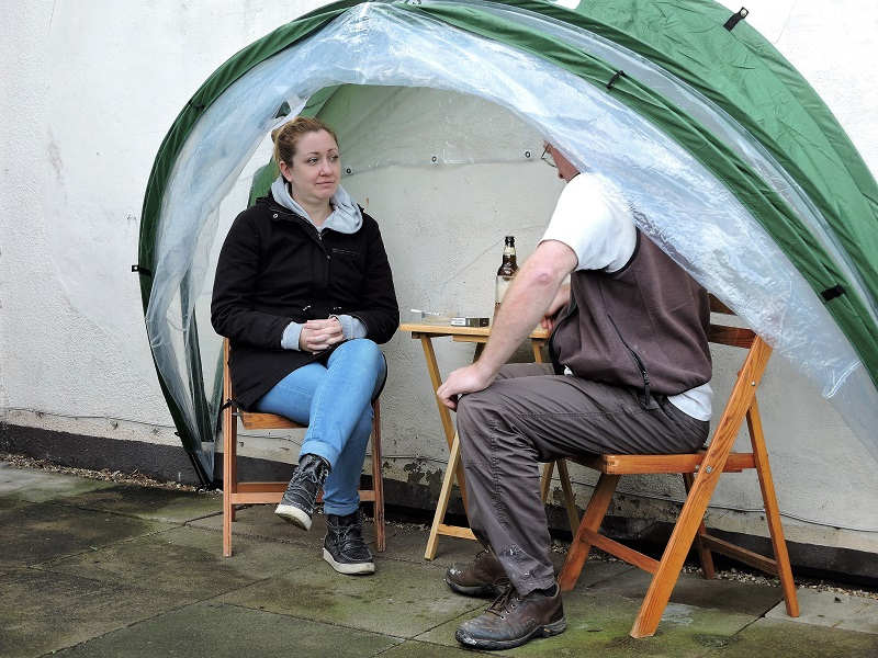 Personal Smoking Shelter