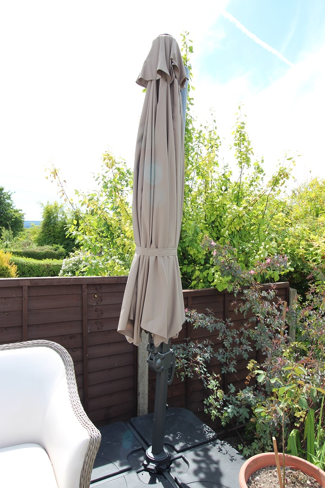 3.5m cantilever patio parasol closed