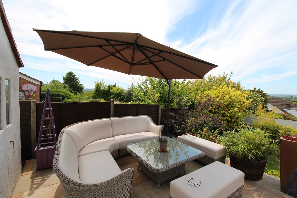 Deluxe 3.5m Cantilever Patio Parasol - taupe